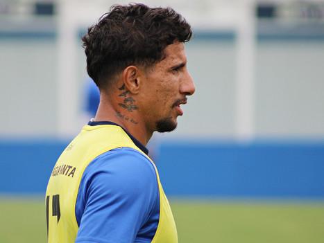 Alex Reinaldo sofre ruptura do ligamento cruzado anterior do joelho esquerdo