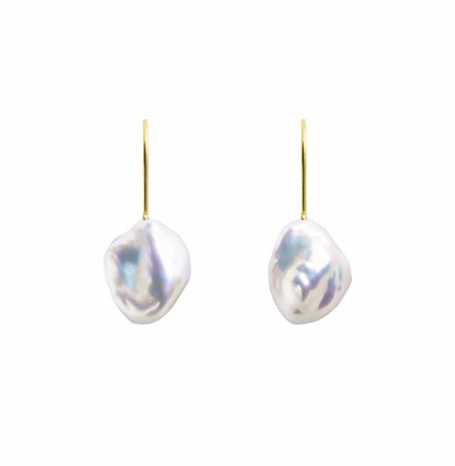 MERMAIA KESHI PEARL HOOK EARRINGS ORA