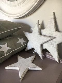 Set of three hanging white stars from Homebee