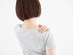 肩こり女性写真.jpg
