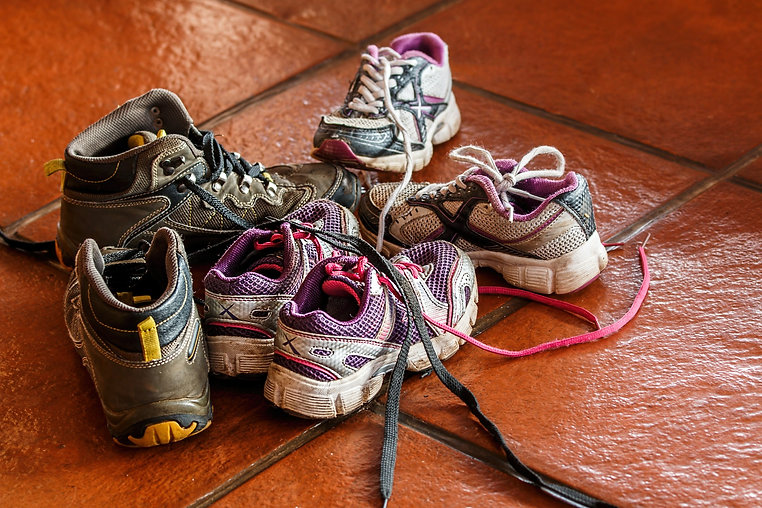childrens-shoes-486016_1920.jpg