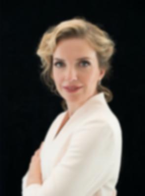 Daria Poluyk Personal Stylist.png