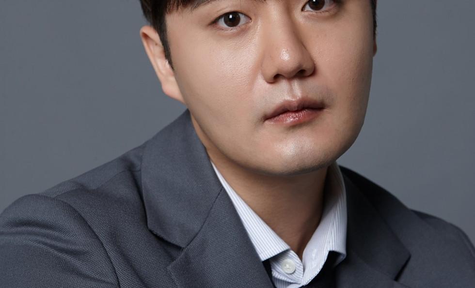 actor_min_002.jpg