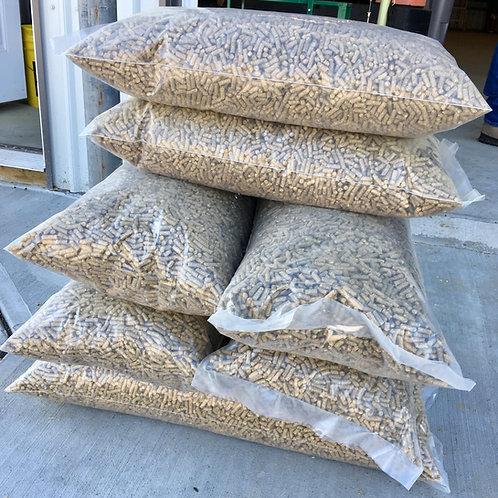 20 lb bag Straw Pellets