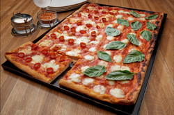 Pan Pizza-cut-RT