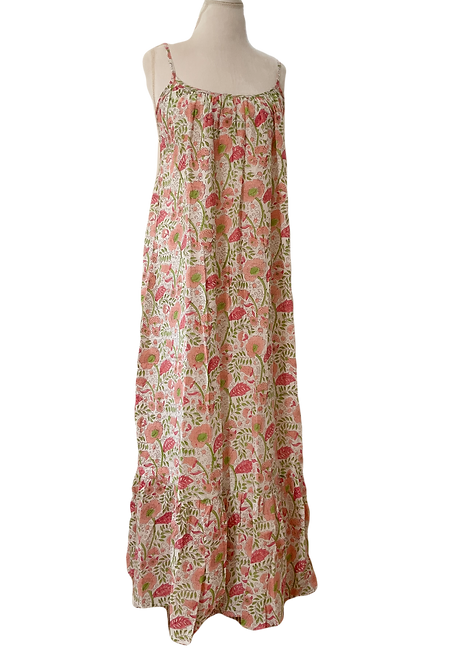 to the maximum maxi dress en vintage floral perfection