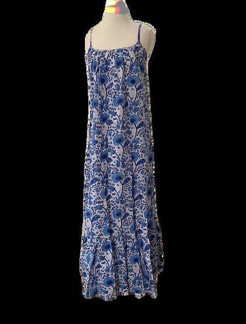 to the maximum maxi dress en bleu bellflower