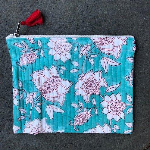 oh zip it! clutch bag en turquoise & white