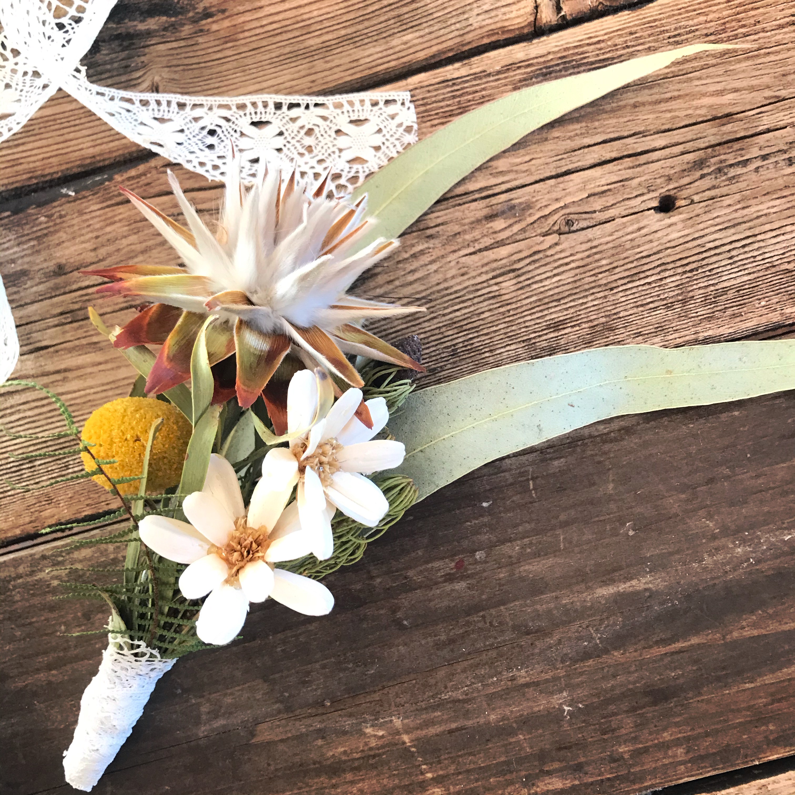 Dry boutonniere