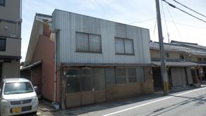 2020年8月掲載開始の 「中山道旧高宮宿沿いの戸建(蔵あり)」の売却価格を見直しました。