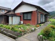 鳥居本町にある家庭菜園のできる庭付き築45年の平屋中古住宅