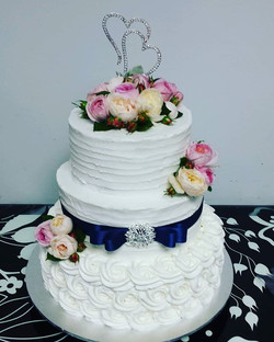 #buttercreamcake #weddingcake #wedding #