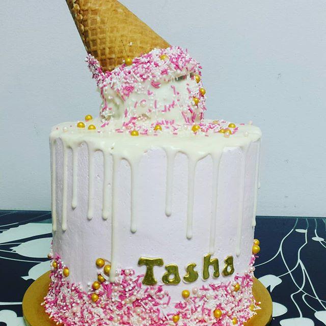 Drip cakes_#cake #birthdaycake #birthday