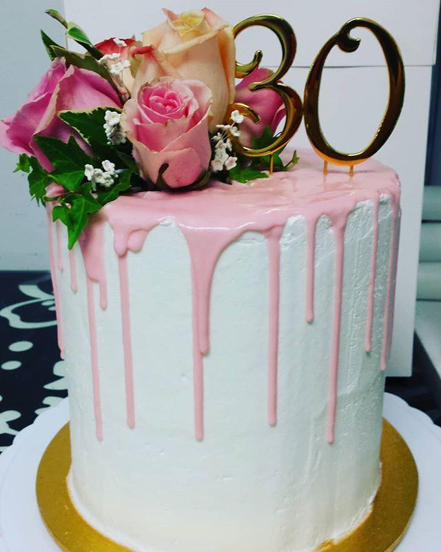 #birthday #cake #birthdaycake #dripcake