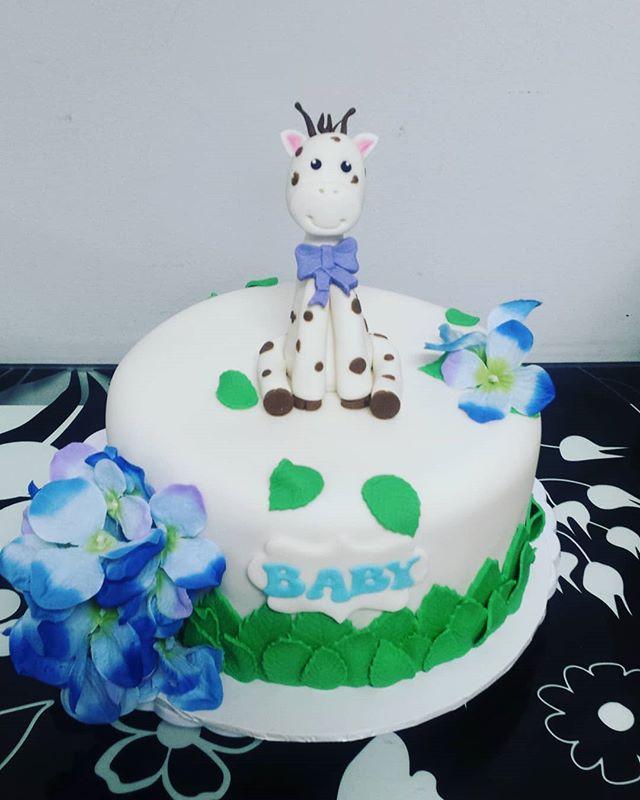 Cute baby shower cake__#cake #cakedecora