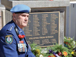 Moving address honours families of service personnel
