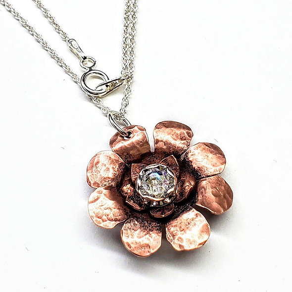 Sparkly Copper Flower Spinner Necklace