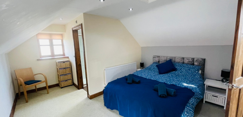 Country Cottage Double ensuite bedroom.jpg