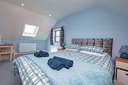 Cliff Cottage King size bedroom - PK Cottages