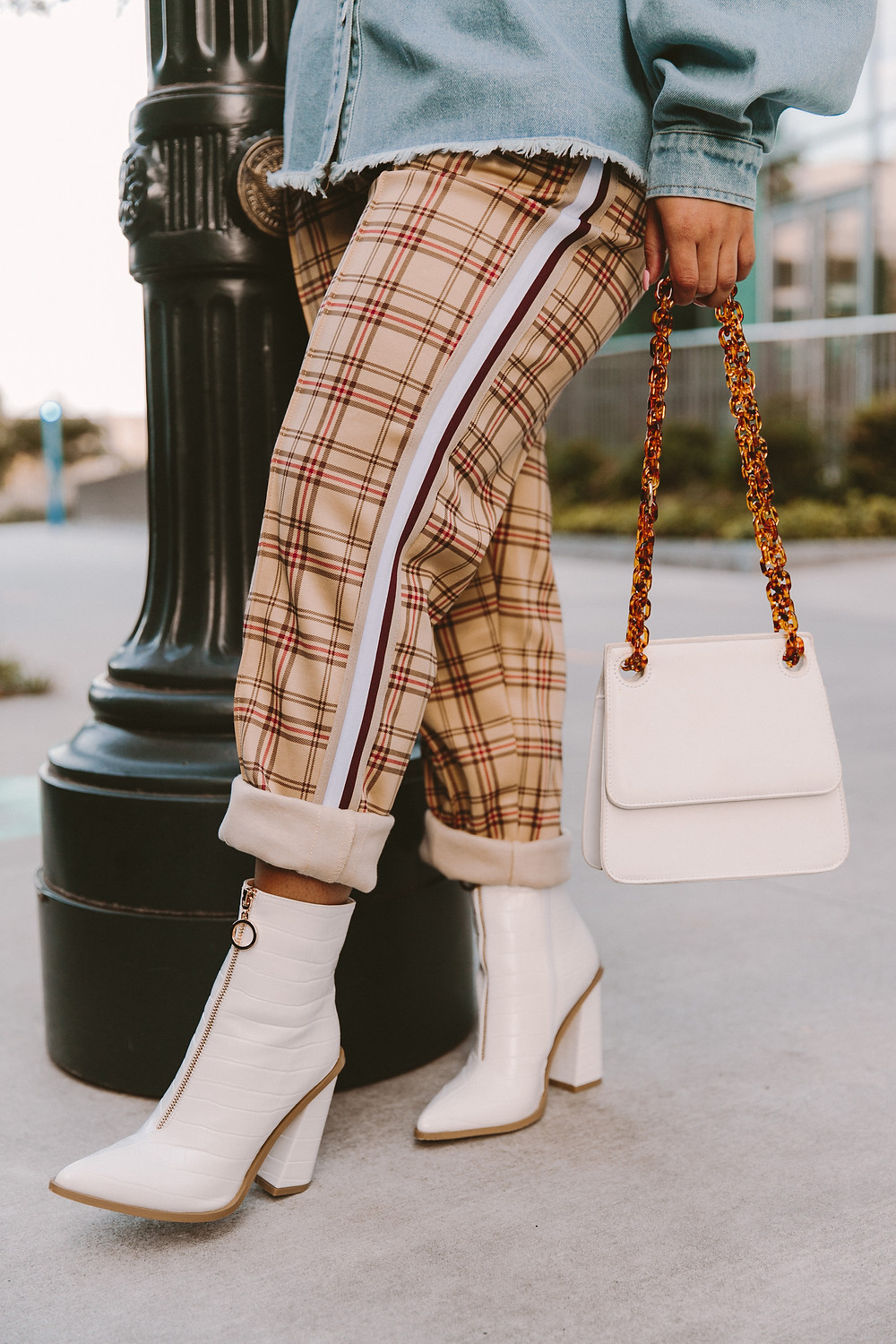 Synahia — fall streetstyle. Plaid pants. White Boots.