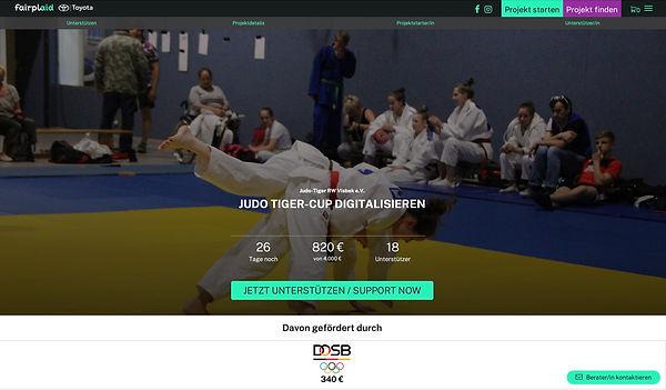 Judo Crowd.jpg