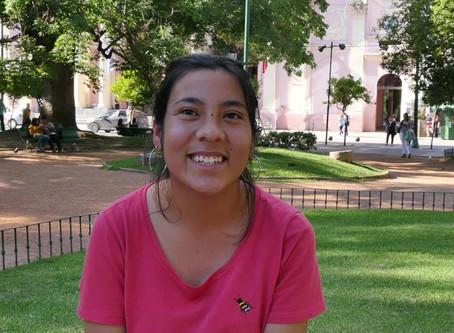 La emotiva historia de Bea, nuestra primera becada universitaria