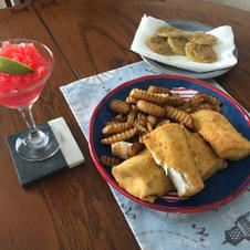 Wahoo, Fries, Fried Green Tomatoes and my tequila slushy....JB's playing in the kitchen again...