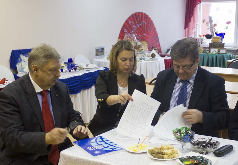 Подписание договора о  в СГУ
