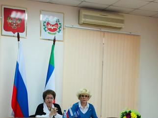 На встрече с фракцией Партии «Единая Россия» в Верховном Совете РХ говорили о поправках в Конституци