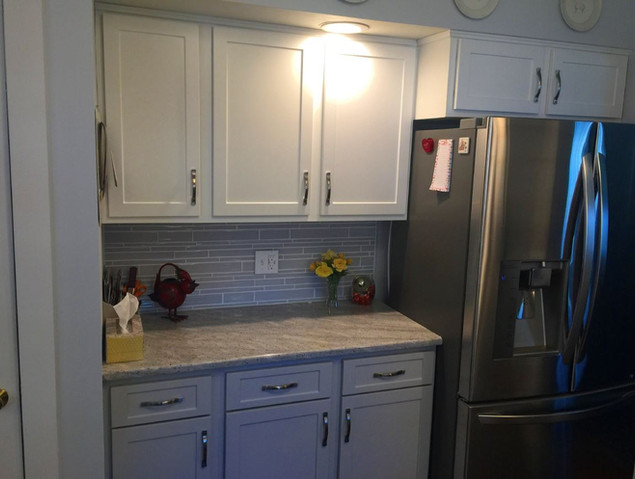 White Flat Panel Shaker Kitchen