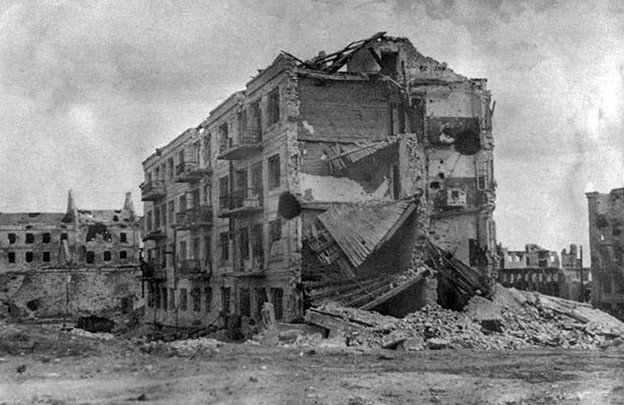 Inspiration from the destroyed Pavlov house in Stalingrad of WW2