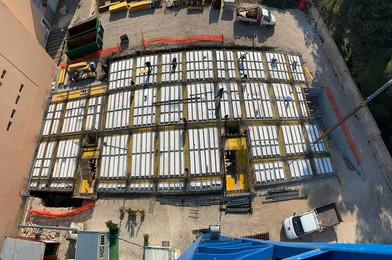 Lavori per la realizzazione di opere in carpenteria relativi alla costruzione di appartamenti in Bari - Santo Spirito