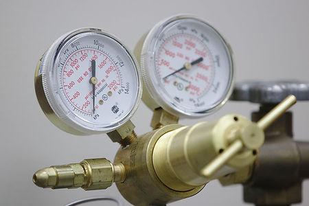 Dual Gauge Gas Regulator.jpg