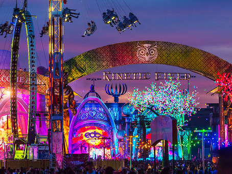 Electric Daisy Carnival Flashes CO2 Special Effects With Machines and Gas Delivery