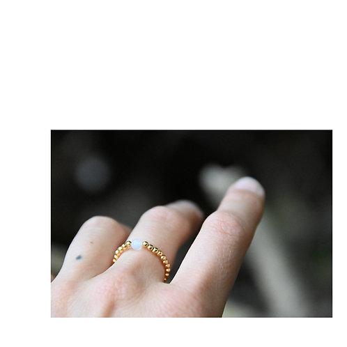 Mondstein Ring. Selbstwirksamkeit. Ausgleich. Schutz.