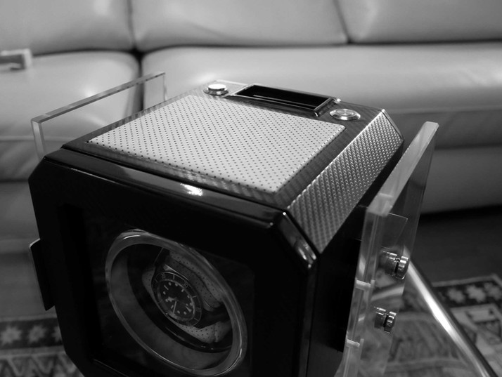 MT Box, photo in black and white