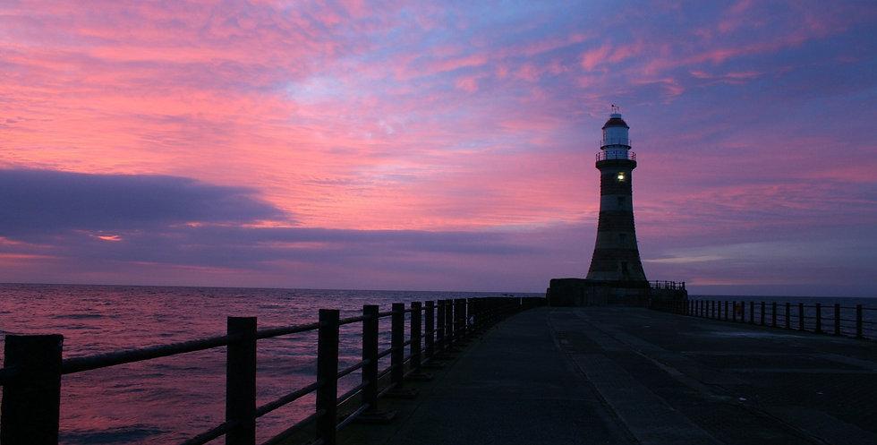 lighthouse-283091_1920_edited.jpg