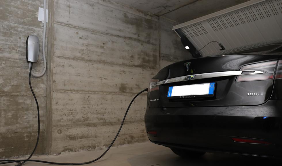 Impianto di ricarica auto elettrica 02