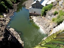 Local tribes, fishermen, conservationists call on Warren Buffett to Undam the Klamath.