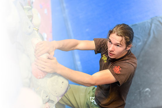 climbmax-climbing-37 (1).jpg