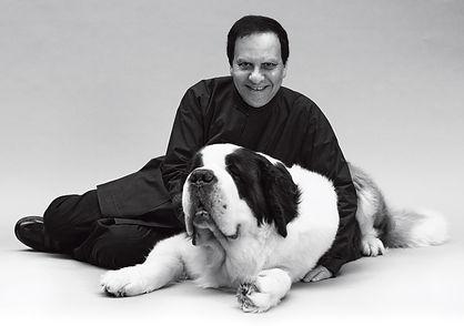 Azzedine Alaïa et son chien Didine