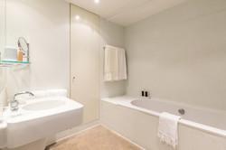 Salle de bain par Marc Newson