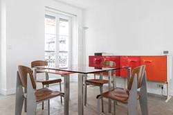 Salle à manger design dans le Marais
