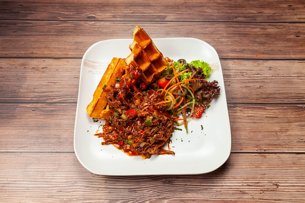 bbq pulled beef waffle (1 of 1).jpg