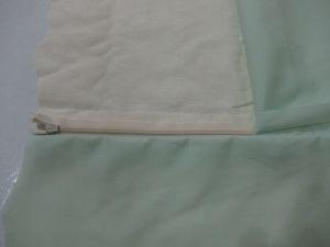 right lining zipper seamed