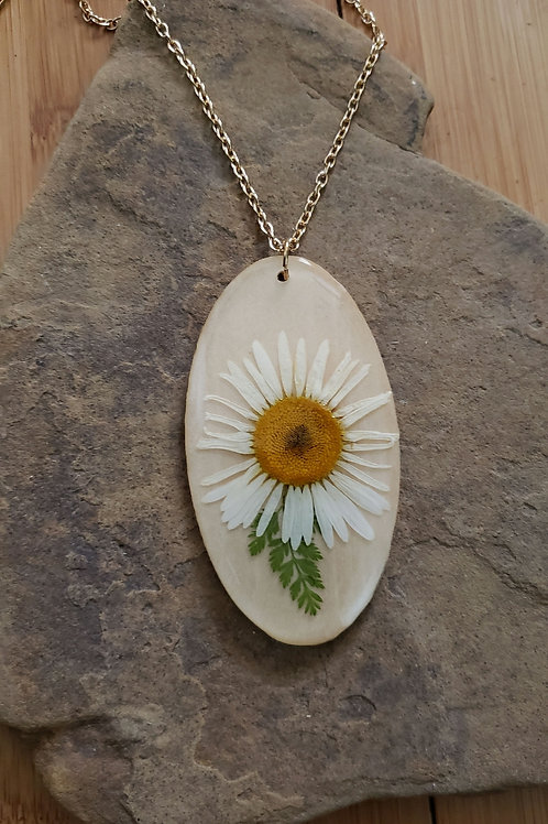 Oval Daisy Leaf Necklace