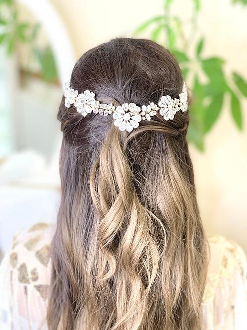 Back of head sparkly  kya hair vine