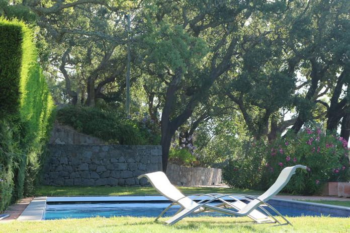 Vila-Foia-Pool-Garden.jpg