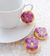 Pretty flower iced biscuits