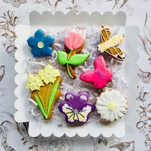 Bright Spring flower iced biscuits